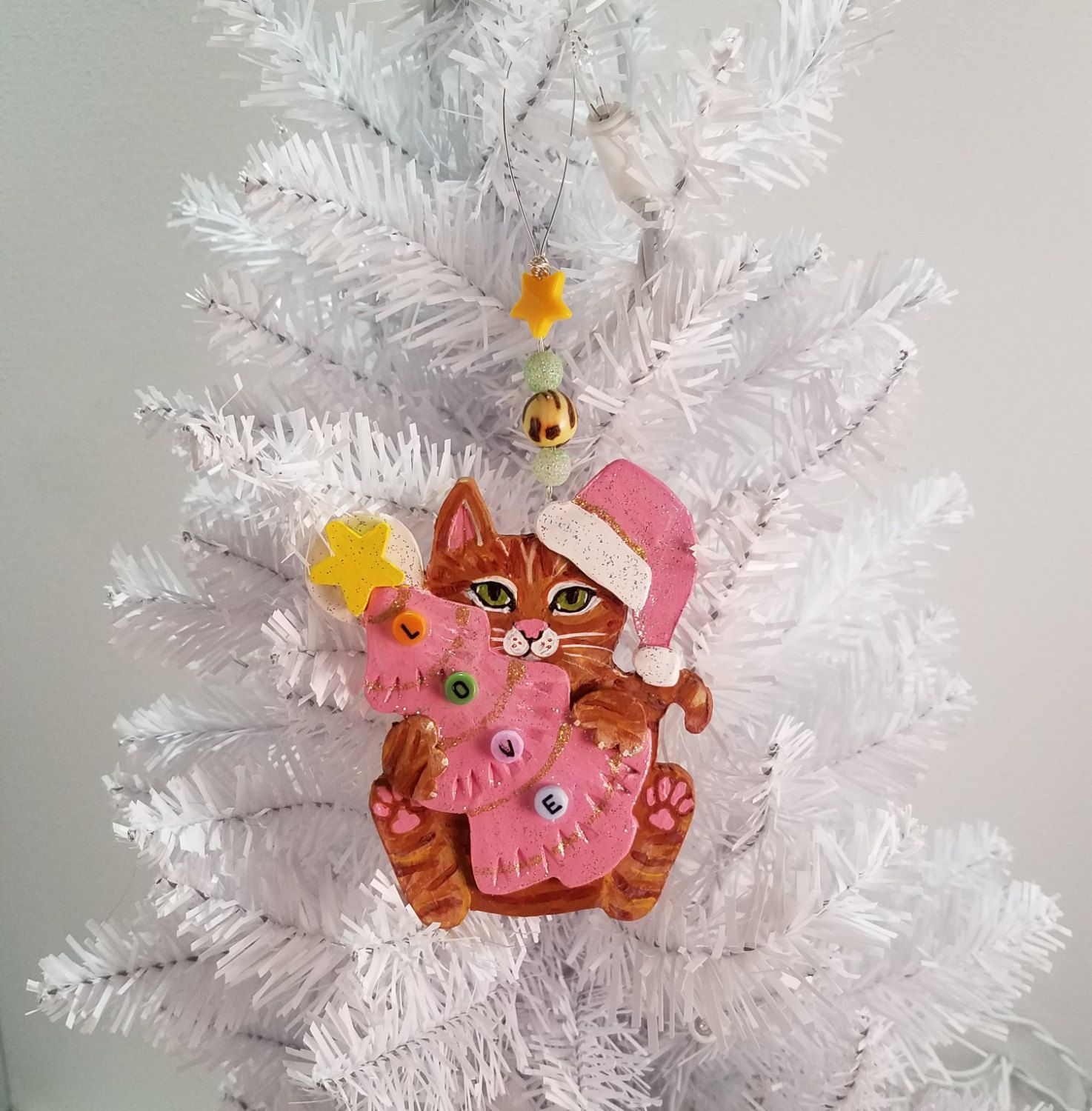 Tabby cat ornament - Tabby Cat Ornament Pink Christmas Tree L O V E Beads Handmade Painted Ginger Tabby Cat Art Beaded Hanger Ornament Gift Box Included