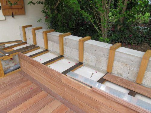 cr er un banc dans ma terrasse en bois exotique pinterest patio. Black Bedroom Furniture Sets. Home Design Ideas