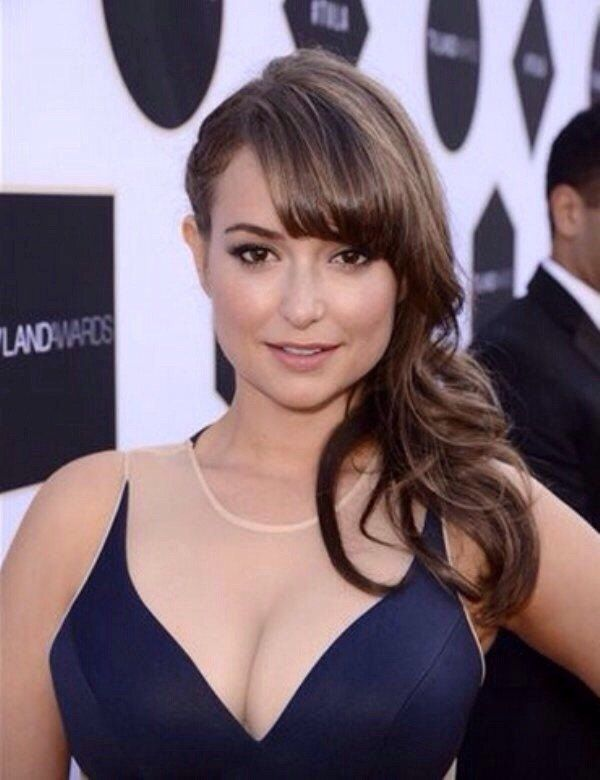 milana vayntrub the perfectly proportioned and petite lily from