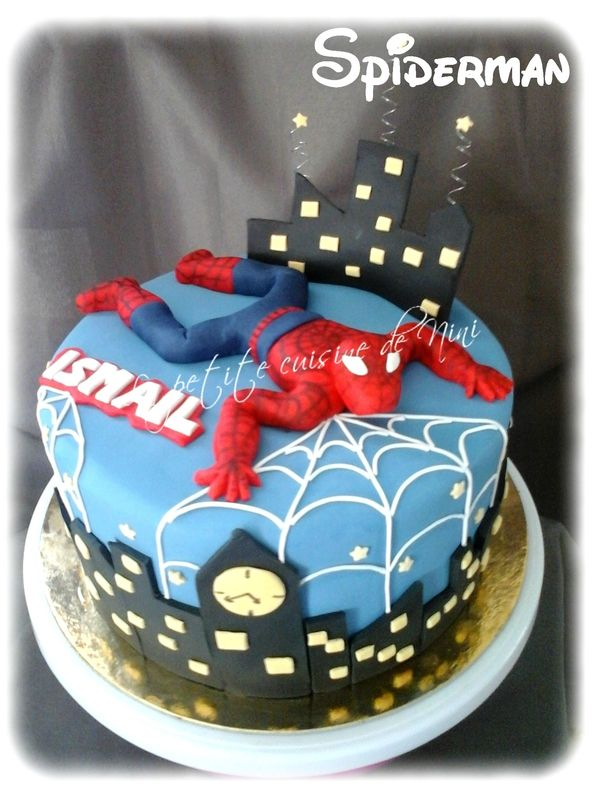 g teau d 39 anniversaire spiderman 3d la petite cuisine de nini gateaux avec pate sucre. Black Bedroom Furniture Sets. Home Design Ideas