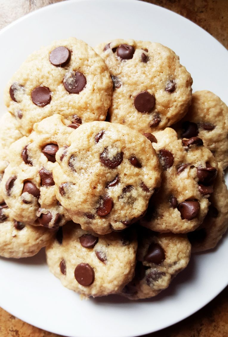 Coconut Oil Chocolate Chip Cookies | Coconut oil chocolate ...
