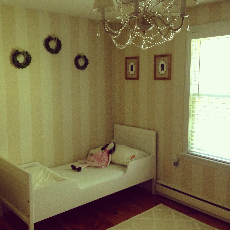 my daughter 39 s bedroom ikea sundvik toddler bed pottery. Black Bedroom Furniture Sets. Home Design Ideas