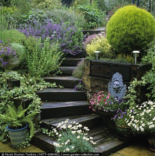 Pin de maria vilma en bellos jardines y caminos for Escaleras de jardin