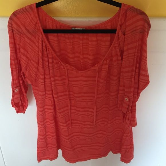 3/4 Length shirt Flowey and comfortable, only worn once or twice so basically brand new. The color is a coral color. Really pretty for spring. Old Navy Tops