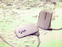 Sony Waterproof Walkman Lets Swimmers Listen to Music Underwater