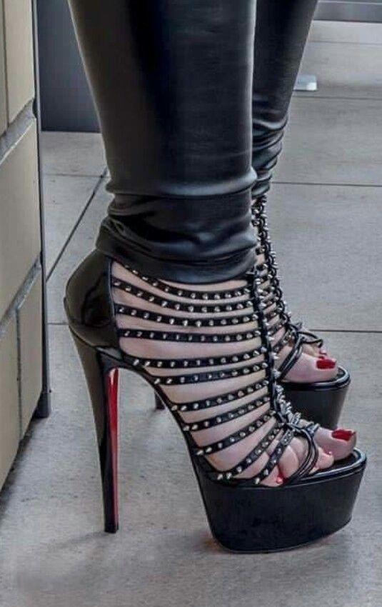 Schwarze Lesben in High Heels