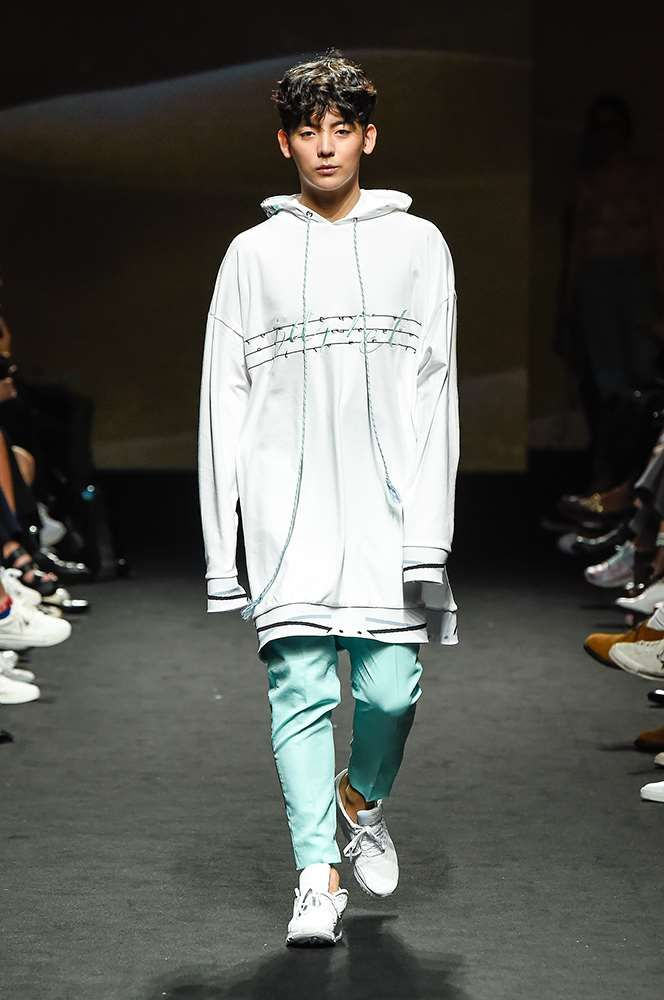Male Fashion Trends: JARRET Spring-Summer 2017 - Seoul Fashion Week