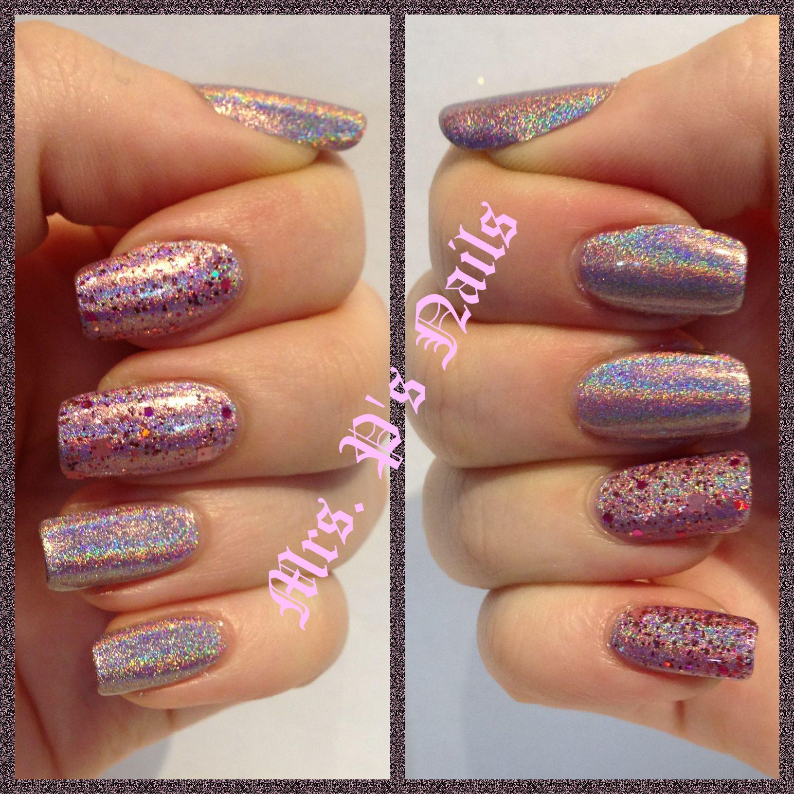 Color club Halo Hues Cloud Nine with Dollish Polish A Peachy Princess on accent nails