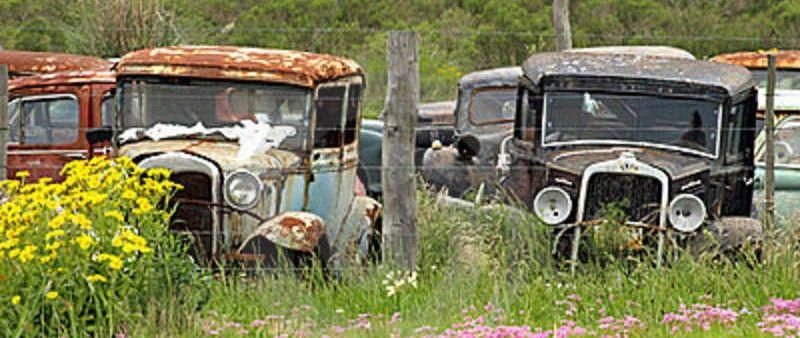 https://forgottencars.files.wordpress.com/2014/05/cropped-vintage-cars-abandoned-1344095611.jpg