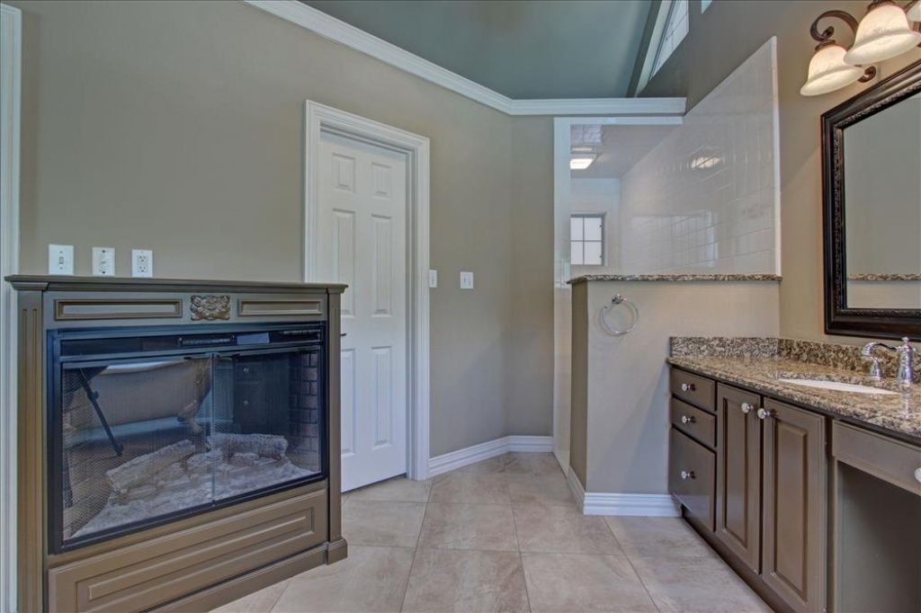 1229 Westlake Rd, Cleburne, TX 76033 | Zillow