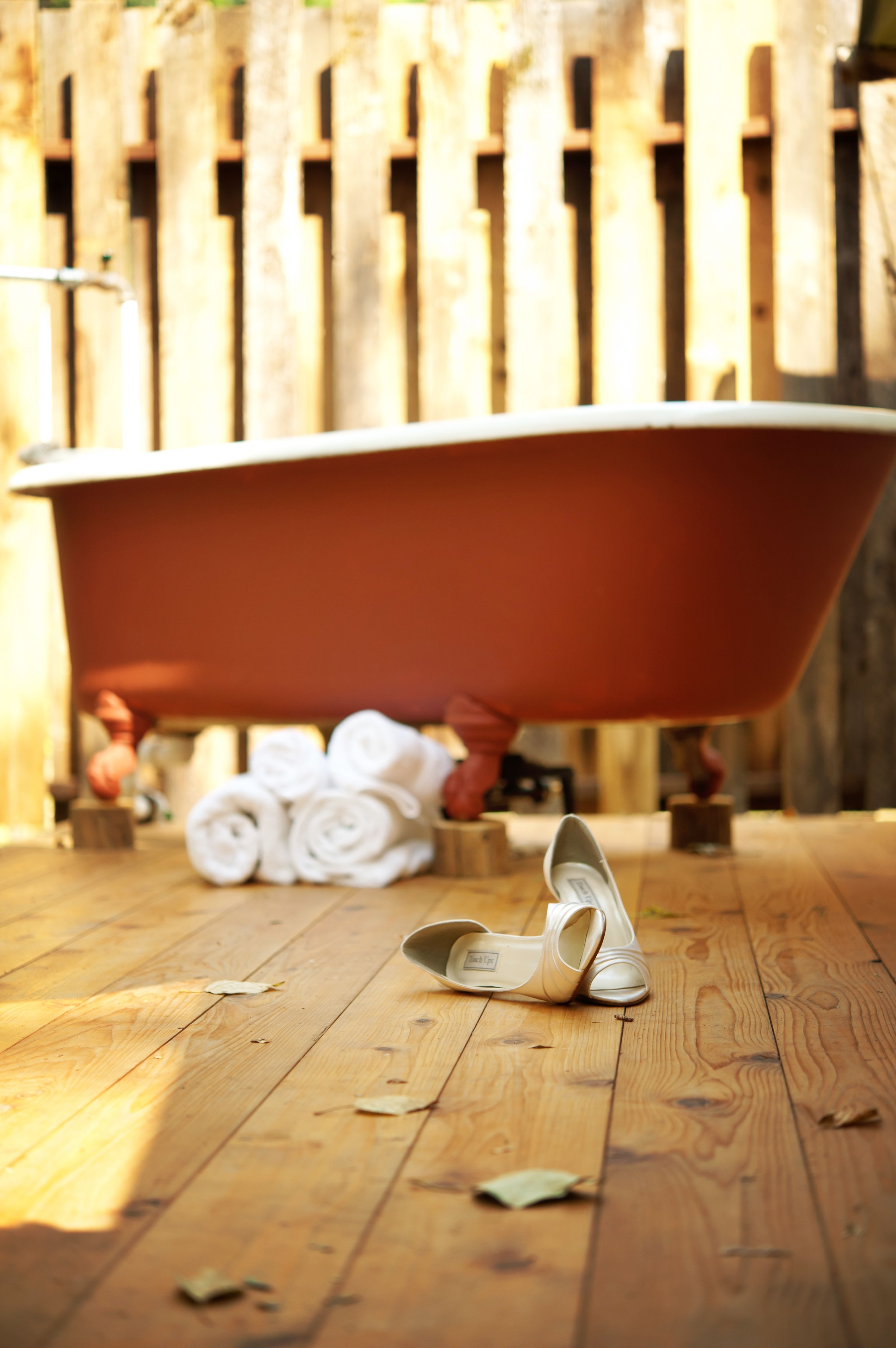 Wedding decor images  wedding decor outdoorwedding glamping bathtub idaho