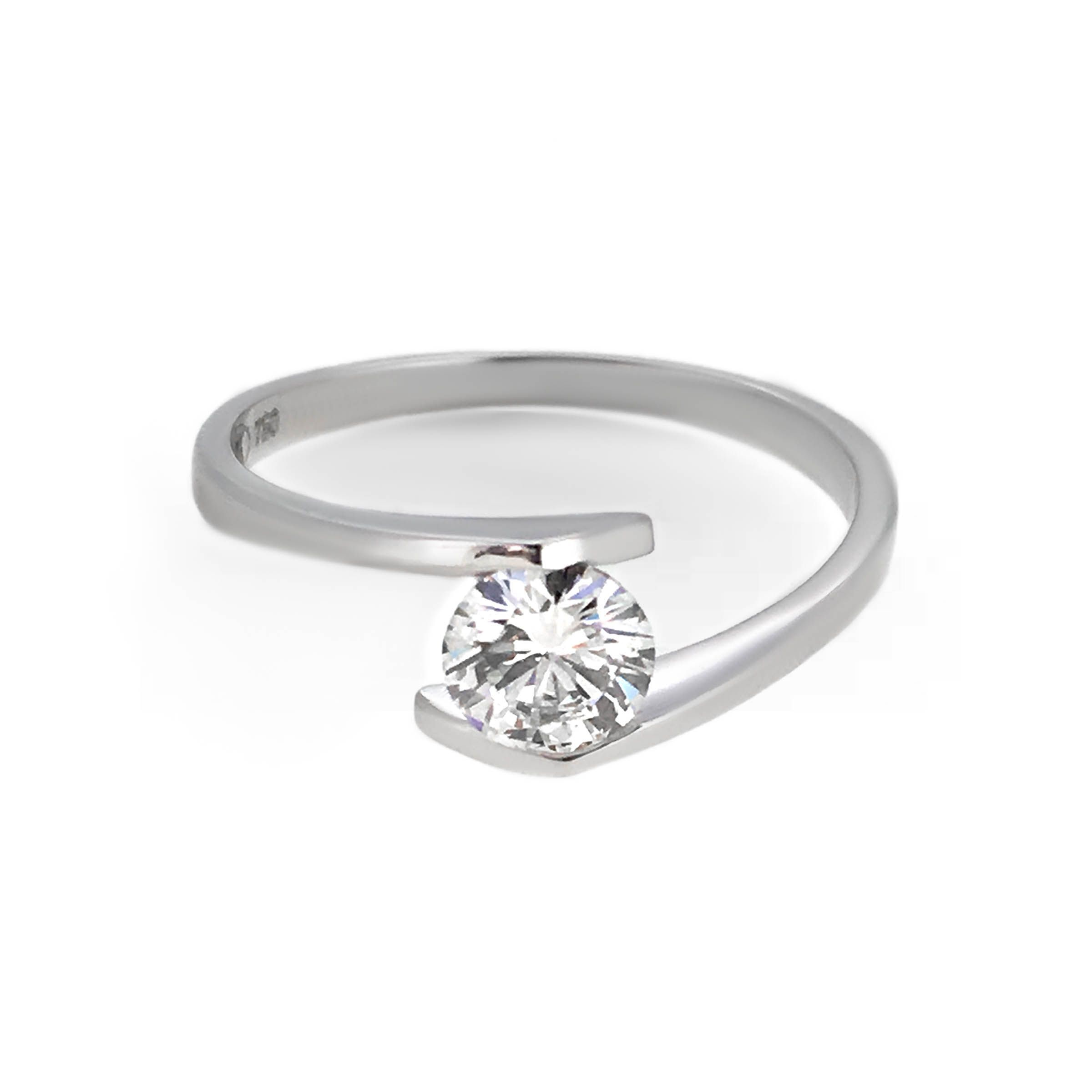 cradles diamond to allow a guides specially jewellery mount now light created pronged four settings through image delicately en its design engagement guide is table forever forevermark setting centre maximum the at ring travel and