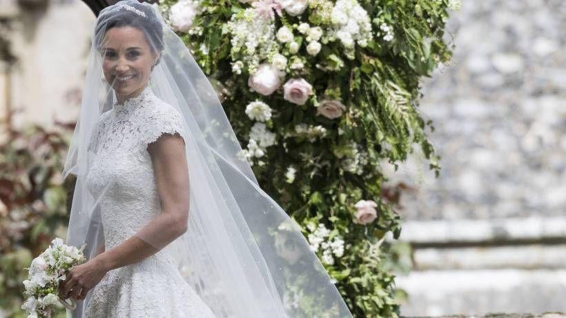 Sirtfood Diat So Hat Sangerin Adele Uber 40 Kg Abgenommen Pippa Middleton Hochzeit Kleid Hochzeit Brautkleid Designer