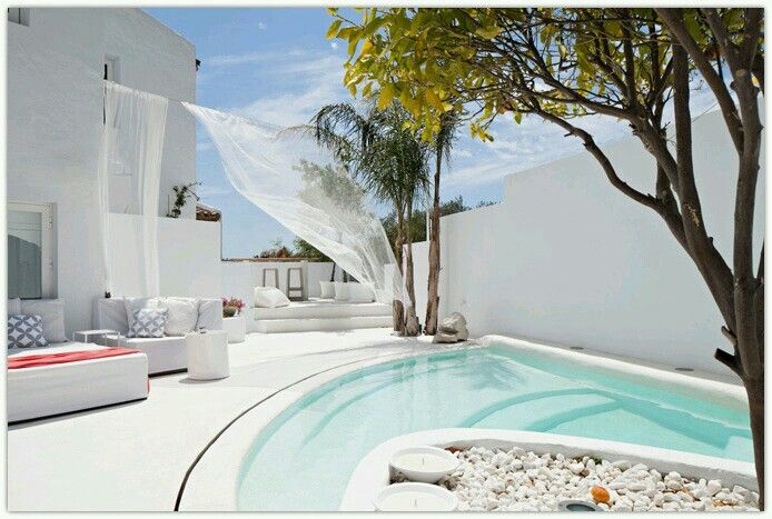 Pin By Ghada Nassar On Pools Pool Designs Home Decor