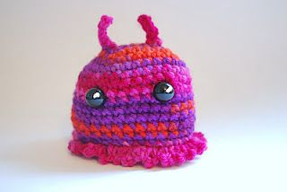 Alien crocheted amigurumi. would make a good top to a jellyfish, too.