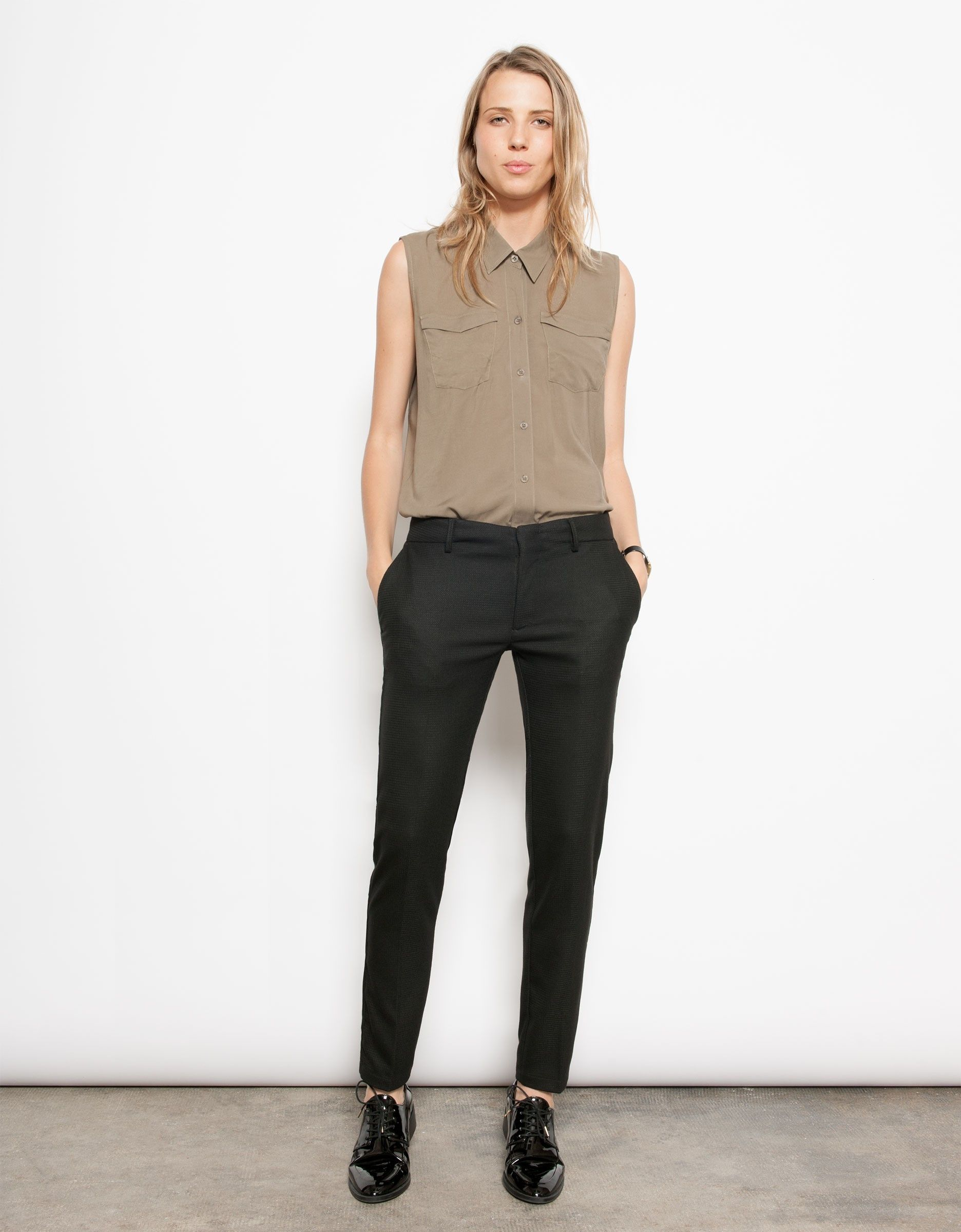 4c2e8c998e672 Pantalon cigarette Lizzy - PLAIN BLACK   vestidos, outfits and shoes ...