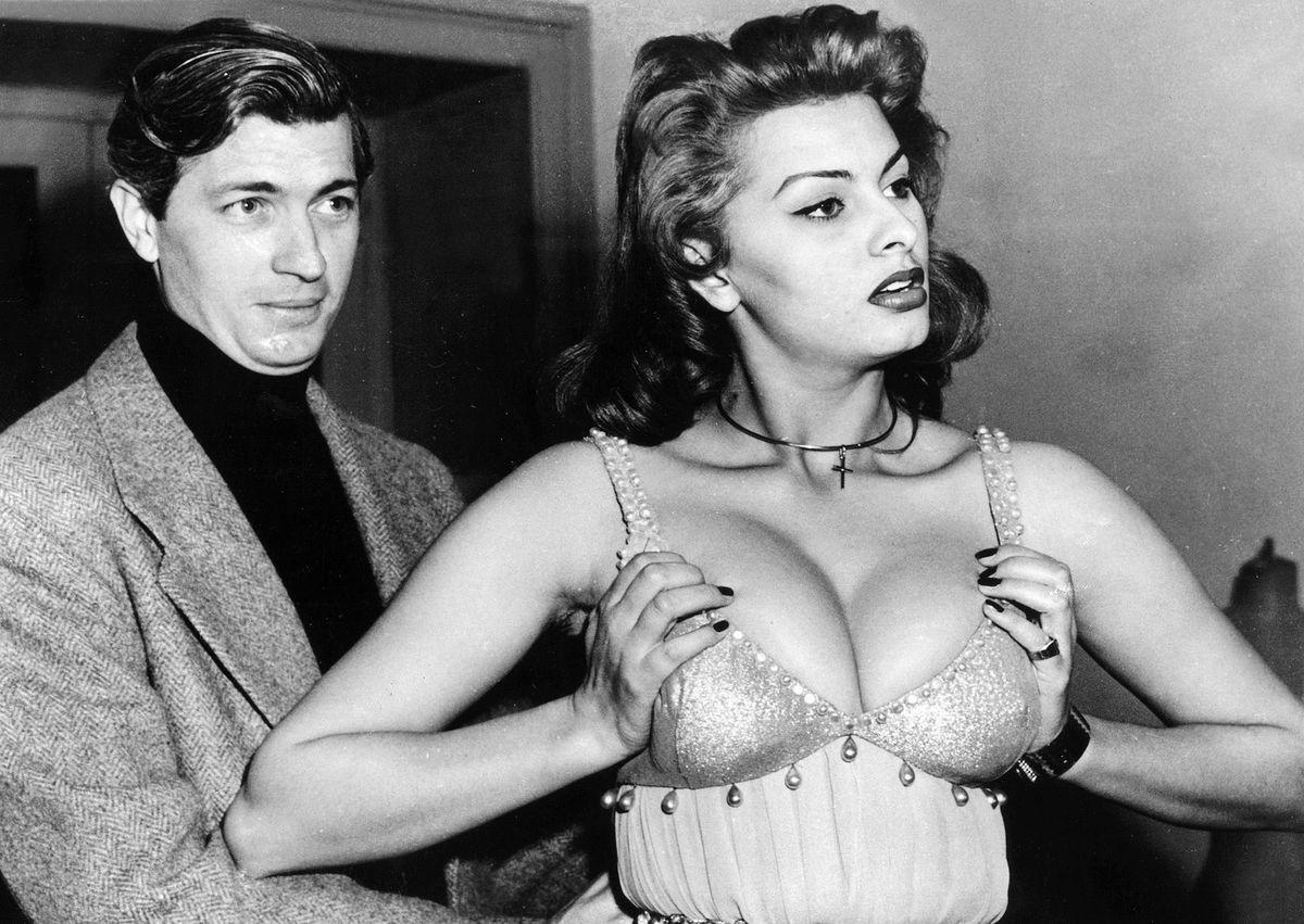 klassika-italyanskih-eroticheskih-filmov-kogo-trahnut-v-anal