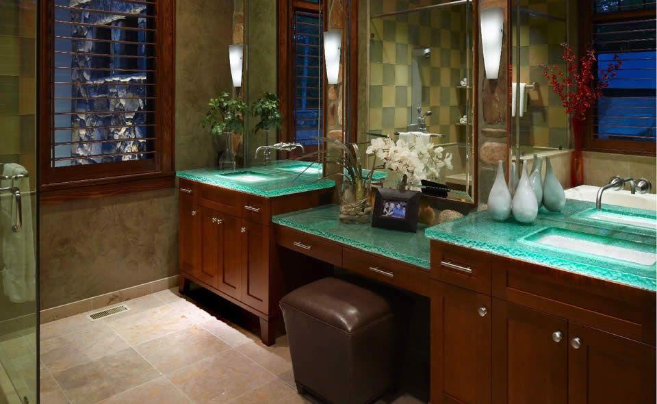 MULTI LEVEL MASTER BATH TEXTURE CRACO COLOR AQUA EDGE - Florida bathroom designs