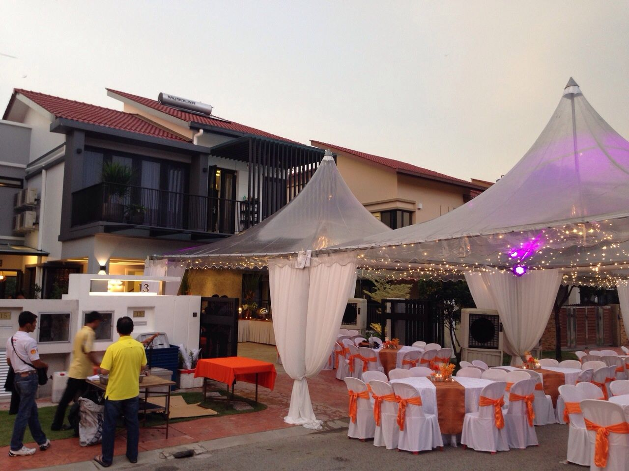 Transparent canopy with orange-themed decor & Transparent canopy with orange-themed decor | Izzi Canopy ...