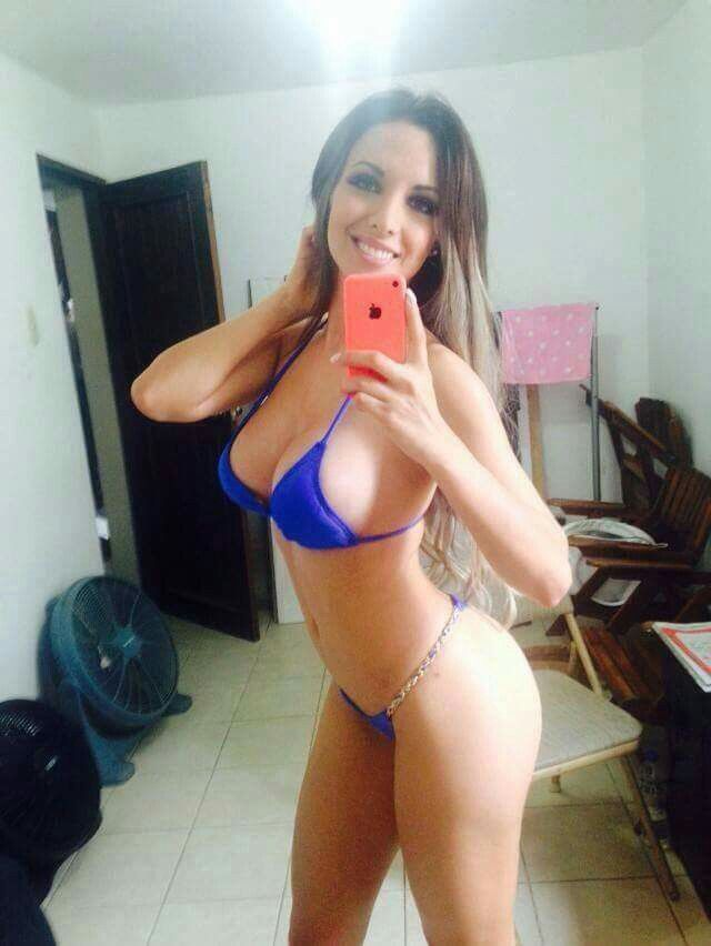 Girls bikini bottom selfies