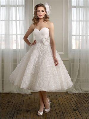 Modern Sweetheart Neckline Empire Waist Applique Tea-Length Wedding Dress  www.bridalgirlsho... offers Cheap 2012 wedding dresses, prom dresses 2012, Bridesmaid Dresses, Flower girl dresses and formal evening dresses www.bridalgirlsho...