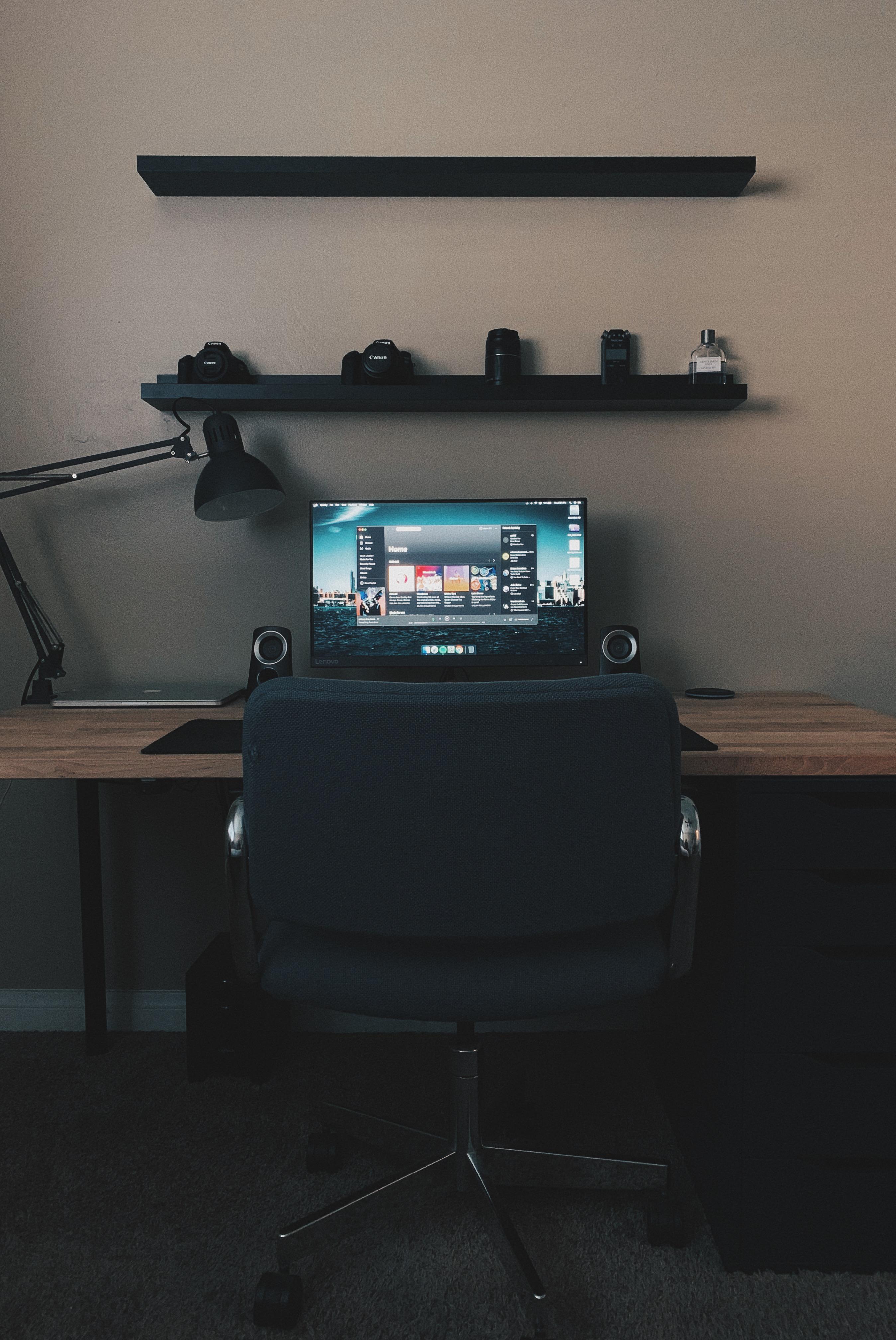 Pin by Jordan Haldane on Home in 2020 Setup, Desk setup