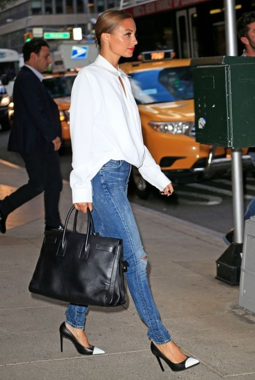 la modella mafia Nicole Richie 2013 street style - skinny jeans and pumps
