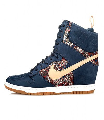 Dommage que les sneakers Nike x Liberty soient compensées...   My ... 39b47cdd0179