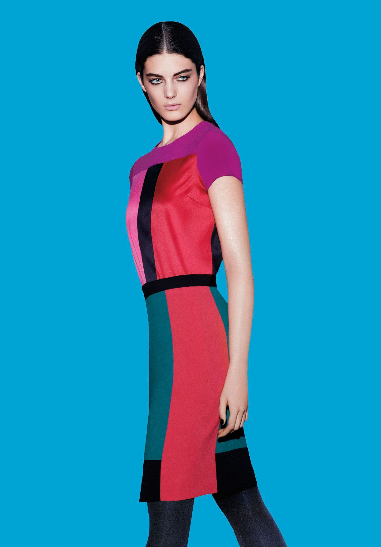 Beautiful design and colors. Just the perfect dress for Christmas ...