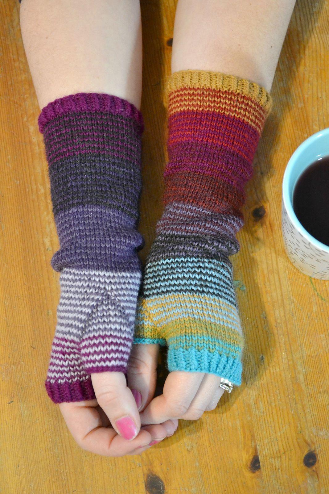 Ravelry: Scrunchy Ombre Arm Warmers pattern by Amanda Schwabe