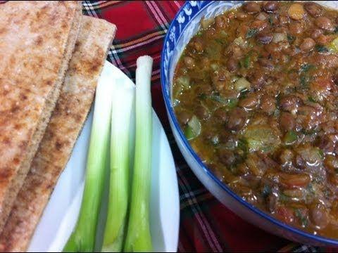 طريقة عمل الفول بالخلطة How To Make Stir Fried Fava Beans Egyptian Food Middle Eastern Recipes Recipes