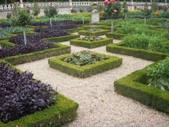 Google Image Result for http://images.travelpod.com/users/hechlok/france2007.1188499200.kitchen-garden.jpg