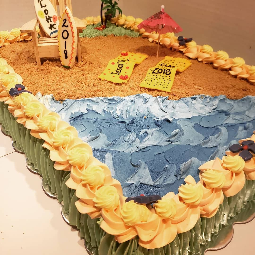 Luau Graduation Cake