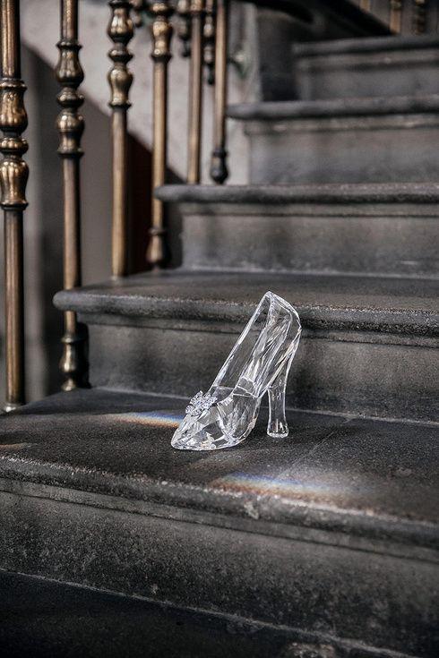La zapatilla de cristal de Cenicienta de Swarovski en Mexico  8ae9a27c4002