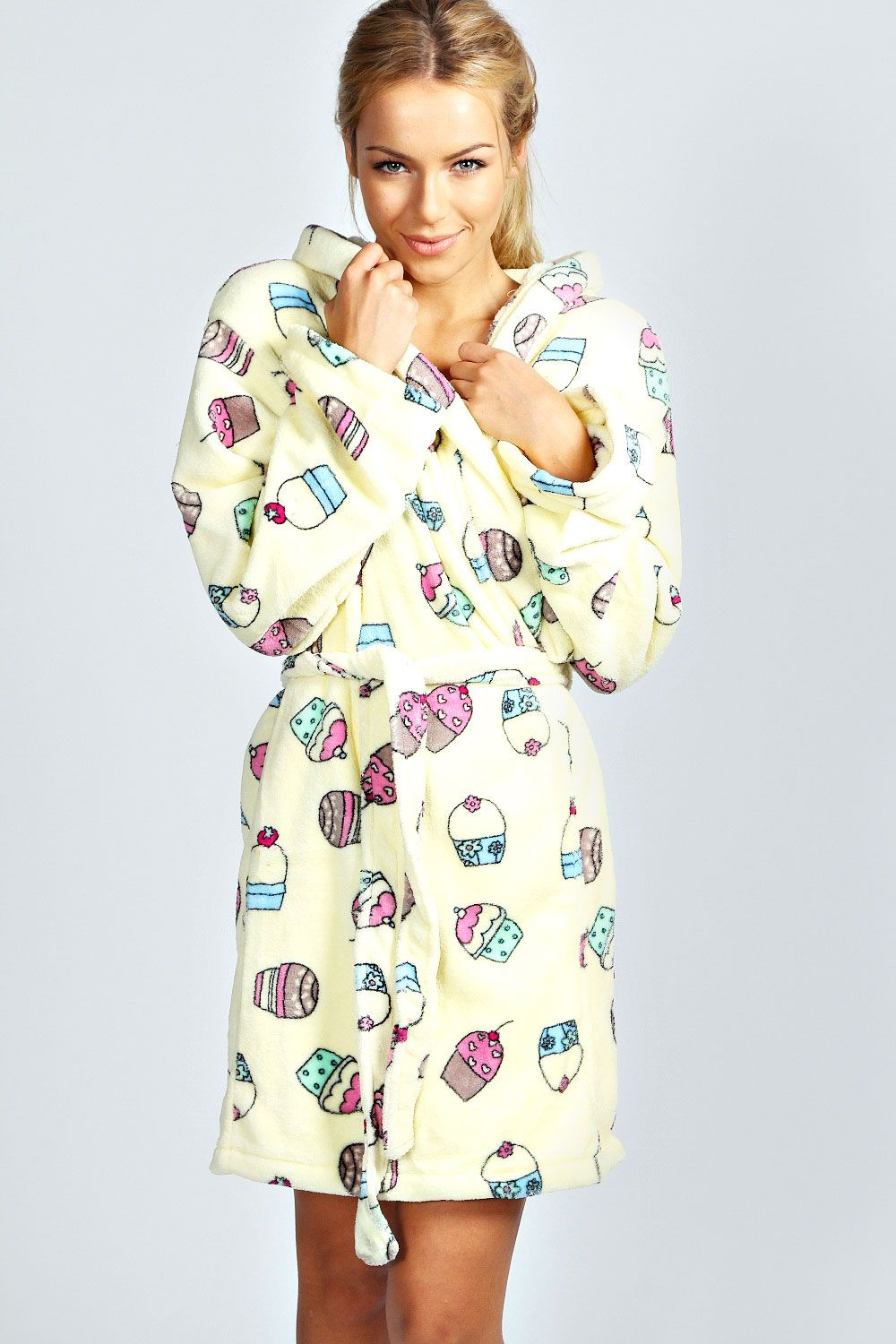 Cupcake Print Dressing Gown >> http://www.boohoo.com/restofworld/gifts/gifts-for-her/icat/new-in/tia-cupcake-print-dressing-gown/invt/azz36494