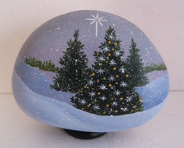 Handpainted Rock Christmas Trees With Lights And Christmas Star In Country Realism Diy Christmas Paintings Christmas Paintings Painted Rocks Diy