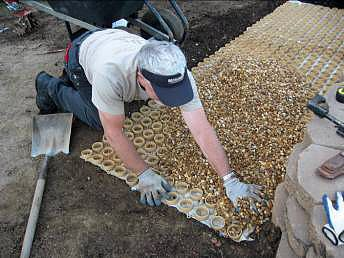 how to install a gravel walk with honeycomb base (With ...