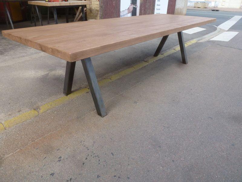 Table Industrielle De Salle A Manger Table Design Plateau Chene Design Moderne