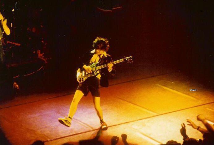 1978/10/15 - CHE, Zurich, Volkshaus | Highway To ACDC : le site francophone sur AC/DC