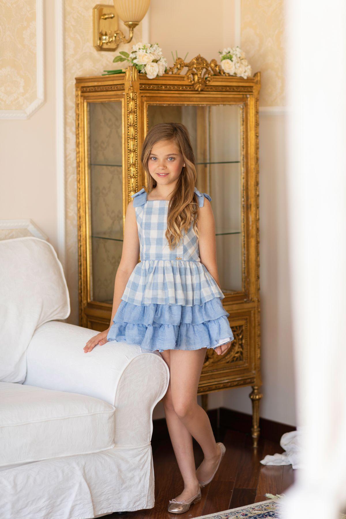 012d6b546 De la colección juvenil Dolce Aela vestido para niña de corte en cintura  confeccionado con algodón