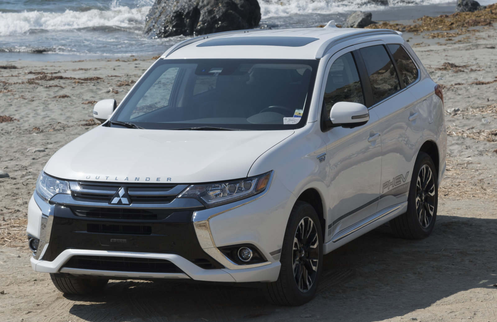 2018 Mitsubishi Outlander Phev See User Reviews 1 Photos And Great Deals For 2018 Mitsubishi Outland Mitsubishi Outlander Outlander Phev Car Insurance Online
