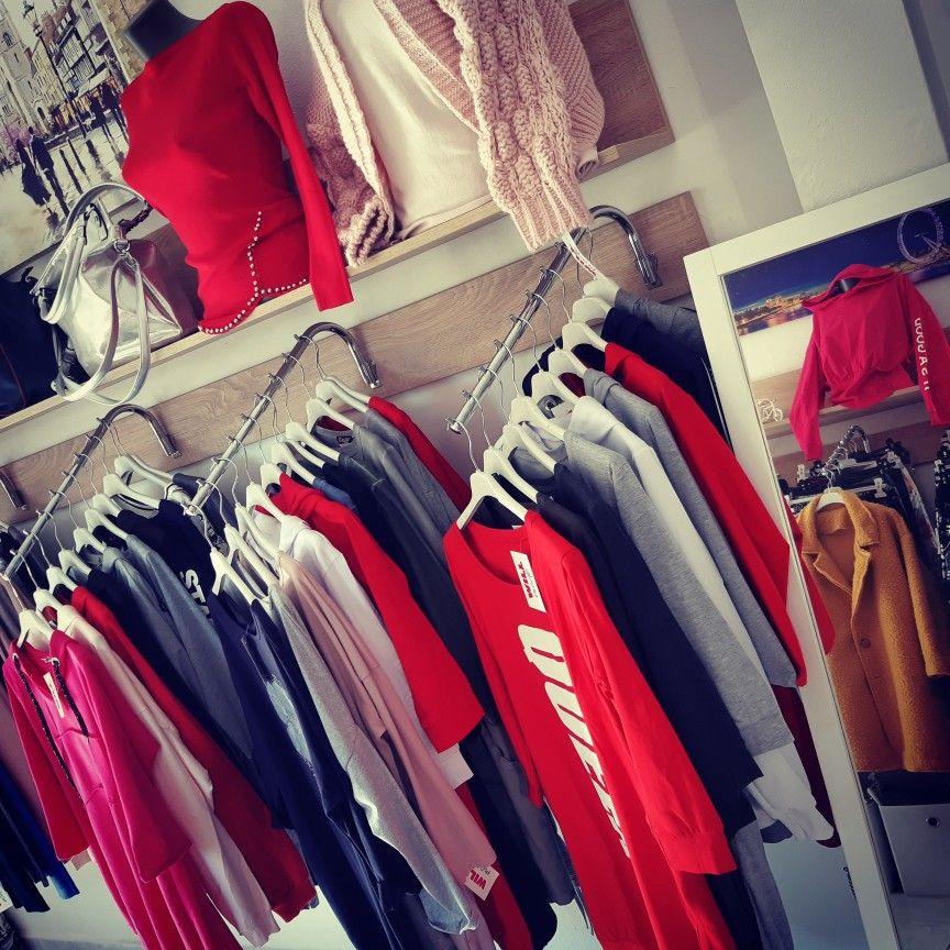 0a6915de6 Dámsky butik s oblečením a modnymi doplnkami   Dámske oblečenie a ...