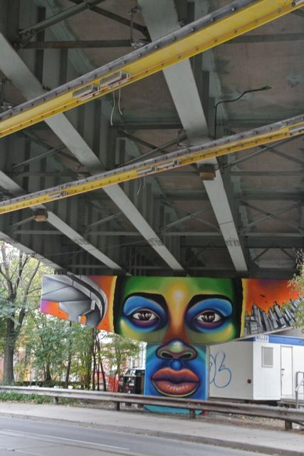 StreetART_underpass_at_King_East_11_torontofunplaces.com