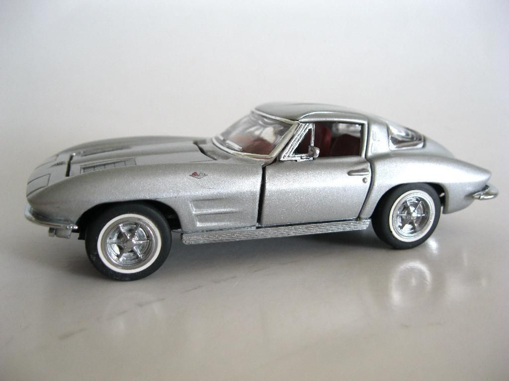 FRANKLIN MINT Classic Cars of the 60s 1963 CHEVROLET CORVETTE 1:43 no box  https://t.co/xkvoaeHW4o https://t.co/MrqDetWvEn http://twitter.com/Soivzo_Riodge/status/775739717182693376