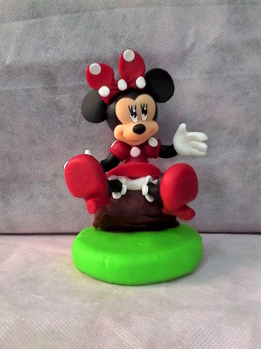 Resultado de imagen para minnie sentada en porcelana fria