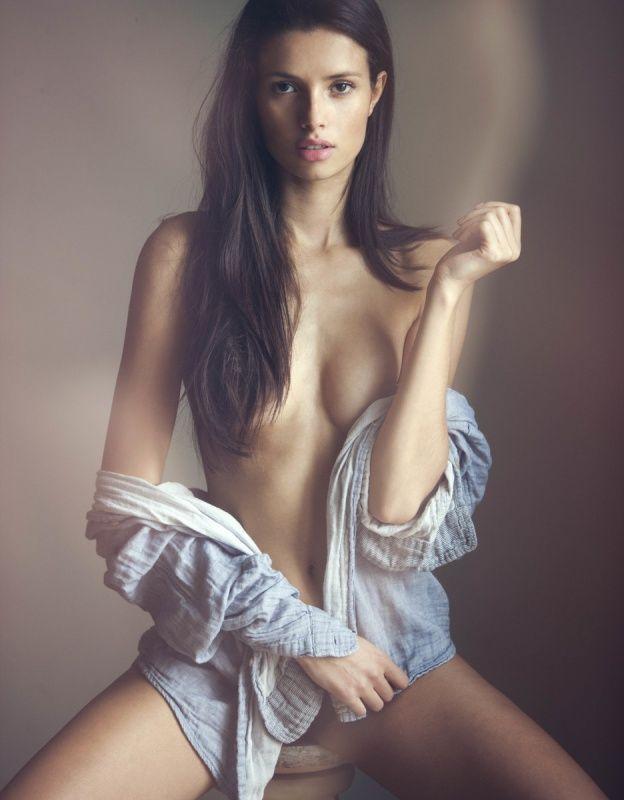 Beautiful naked women bootys