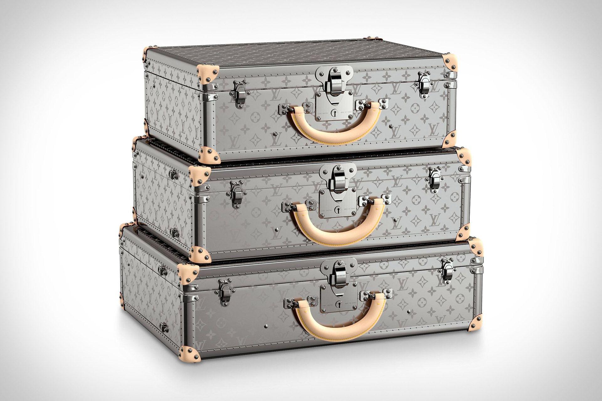 Louis Vuitton Monogram Titane Luggage Collection | På