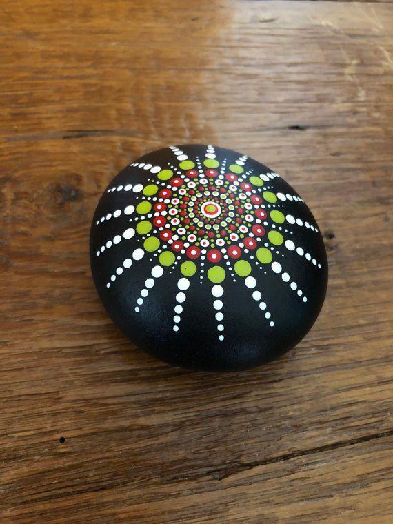 Hand bemalt Mandala Stein/Felsen #thegreatoutdoors