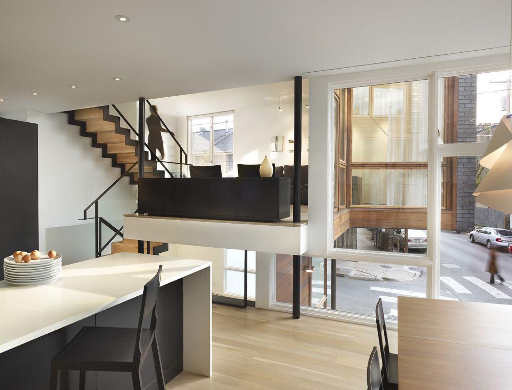 versetzte ebenen holz fussboden dachschraege design, split level house / qb design | house stuff by mandala essentials, Design ideen