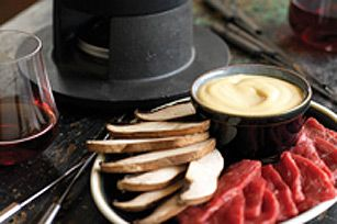 Beef Fondue (Fondue Chinoise) recipe ( you could also use chicken  or turkeystrips or lean pork strips to make it a meat fondue) #brothfonduerecipes